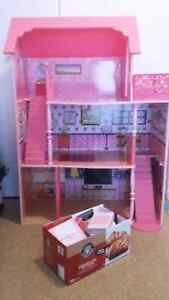 Vente rapide maison house poupee doll barbie with accesoiries