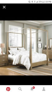 Queen size Gluckstein Home solid wood four post bed