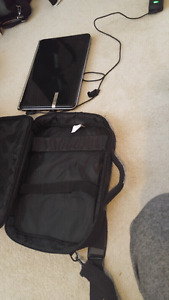 GATEWAY LAPTOP WITH CHARGER, CASE AND RAZR MOUSE  INCLUDED!!!