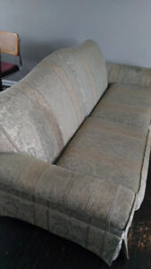 Three-seater couch in good condition