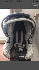graco car seat with the car base