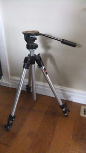 manfrotto grouppo camera tripod with 128lp micro fluid head
