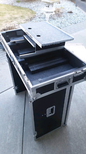 DJ coffin case and stand
