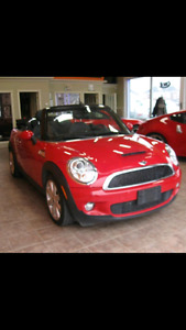 Mini cooper rouge décapotable turbo 2010