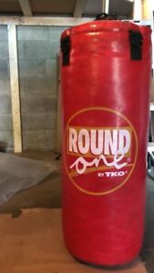 Round one by tko punching bag(50LB PRO STYLE HEAVY BAG)-LIKE NEW