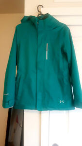Womens Under Armor Winter Jacket size Small