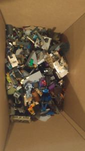 150+ megabloks figures Halo, Destiny, Assassin's Creed, COD