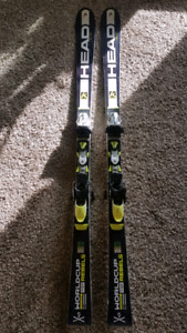 Head world cup SL racing skis 156cm Good condition