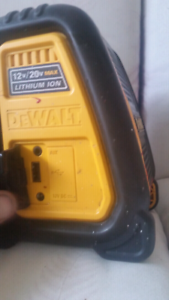 Bluetooth Dewalt radio