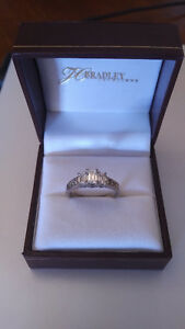 Ladies Emerald Cut Diamond Engagement Ring