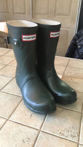 Almost new short Hunter boots