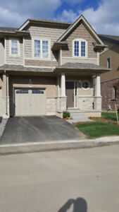 Lake view Grimsby End Unit townhouse for rent