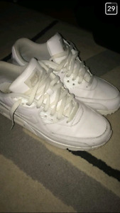 Airmax white 120$ vnds size 8