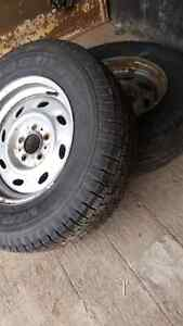 2 rims with really good tires Kitchener / Waterloo Kitchener Area image 1