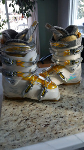 Girls Head Dream Thang ski boots size 23