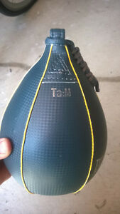 Everlast Boxing Ta:M Durahide Speed Bag - 4Lbs  like new
