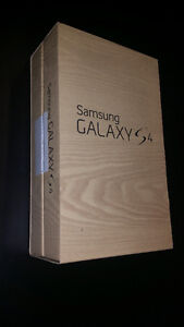 SAMSUNG S4 IN PERFECT WORKING CONDITION WITH SLIGHT USE (TELUS) West Island Greater Montréal image 8