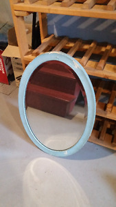 "Oval mirror with ""antique look"""