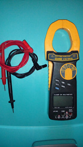 Digital clamp multi-meter