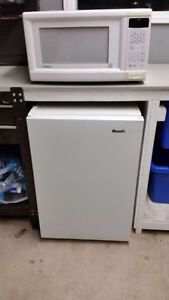 Woods Compact Under Counter Fridge