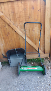 "20"" Push reel mower with grass catcher"
