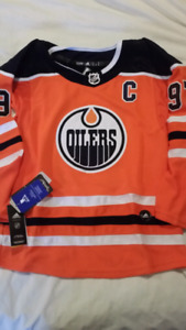 NEW Youth Connor McDavid Edmonton Oilers Jersey