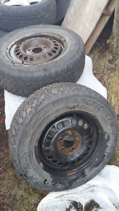 4 X 215-70R15 Winter Tires Good Condition