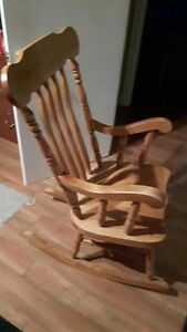 Solid maple rocking chair Cornwall Ontario image 1