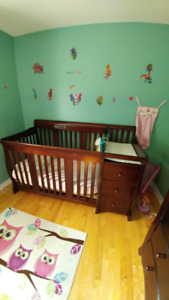 Convertible crib with attached dresser/changing table