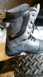 snowmobile boots size 11