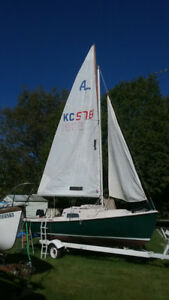 O'Day Mariner 2+2 ready to tow away and sail. Sold with deposit,