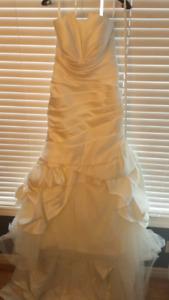 Never worn ivory wedding dress