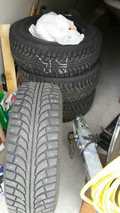 235 70R 16 Champiro  Ice Pro SUV Studded Winter Tires