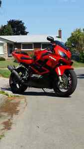 Excellent shape and reliable CBR F4i for sale