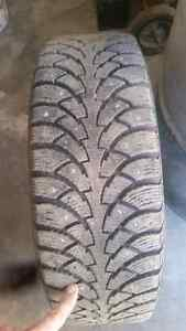 Pneu d'hiver 185-60-r15 cloue , winter tires 185 60 r15 studded