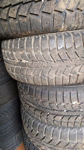Set of 4 winter tyres Uniroyal tiger paw 215 60 15 West Island Greater Montréal image 1