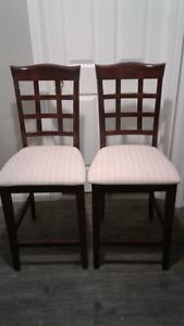 2 chaises hauteur comptoir/ilot