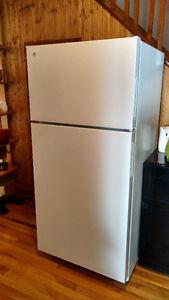 Refrigerator - Botwood