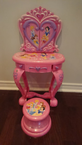 Disney princess vanity set for children - with mirror and lights