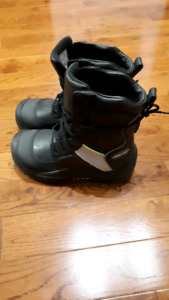 BAFFIN SAFETY WINTER BOOTS SIZE 7