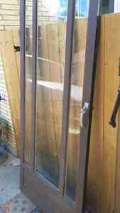 Storm door kijiji free classifieds in london find a for Storm door with roll up screen