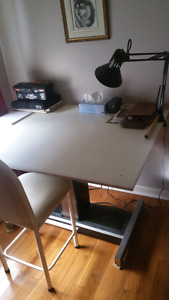 Drawing/craft table
