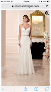 Size 10-12 Ivory wedding gown