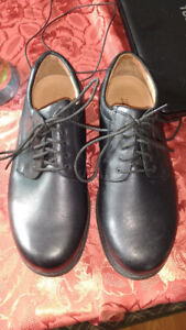 Size13eeeee Cambrian black leather shoes for sale $65