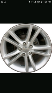 Wanted: dodge avenger 18 or 17 rims