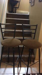 2 Swivel counter stools
