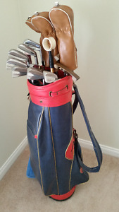 Ladies right handed golf clubs, complete set, Persimmon woods