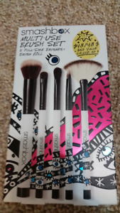 New Smashbox makeup brush set never used