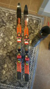 Kids skis with boots
