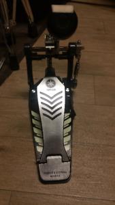 Pédale modèle pro.  simple  de Yamaha